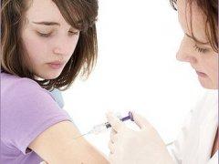 Нужна ли прививка от рака шейки матки?