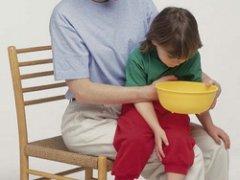 Что давать при рвоте ребенку?