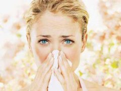 Почему аллергия на цветы распространена
