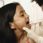 Как лечить тонзиллит правильно?