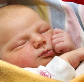 Запор у месячного ребенка и его лечение