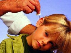 Острый отит у детей: симптомы и методы лечения