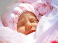 Пневмония у новорождённых: симптомы и методы лечения