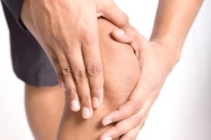 Отличительная особенность ревматоидного артрита - симметричность поражения суставов