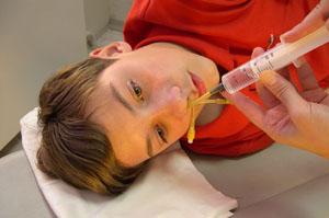Лечение гайморита у ребенка должно проводиться комплексно и только под присмотром врача