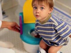 Недержание кала у детей: как решить деликатную проблему?