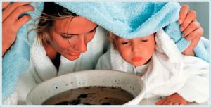 При лечении кашля у детей используются не только лекарственные настои из трав, но и ингаляции