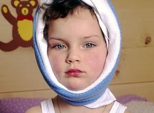 Для облегчения болевого синдрома на область вокруг ушей также показано сухое тепло