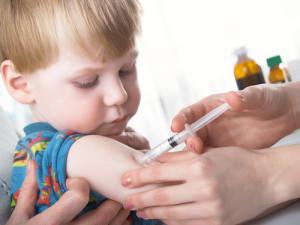 В большинстве цивилизованных стран мира от свинки прививают комплексной вакциной