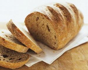 Хлеб можно употреблять: цельнозерновой или с отрубями