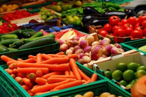 Фрукты и овощи направлены на усиление процесса желчеотведения, соответственно, большое количество холестерина утилизируется