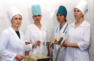 Медсестра должна уметь пользоваться дефибриллятором