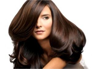 Масло иланг-иланга оказывает целебное воздействие на волосы