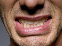 Основные причины, вызывающие ночной скрип зубов