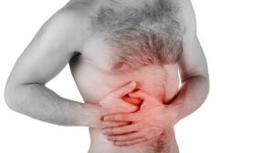 Основной симптом увеличения поджелудочной железы - постоянная боль в верхней части живота