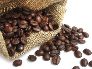 Зерна кофе помогут избавиться от запаха перегара