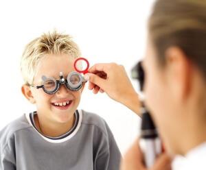 """Своевременное лечение """"ленивого глаза"""" поможет сохранить зрение"""