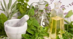 Существует множество рецептов на основе трав, с помощью которых осуществляется лечение бронхов народными средствами