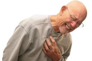 Фактором, который влияет не вероятность развития спонтанного пневмоторакса является курение
