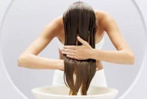 Количество витамина В12 влияет на состояние волос