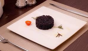 Черный рис очень ценится своими полезными свойствами