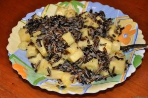 Приготовленный чрный рис имет специфический вкус
