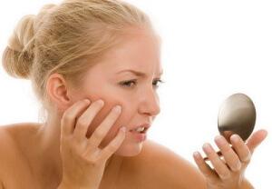Покраснение кожи вызывает ждискомфорт и неприятные ощущения