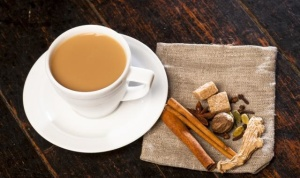 Калмыцкий чай в пакетиках – это полезный напиток, который заваривается на молоке, с добавлением специй, масла и соли