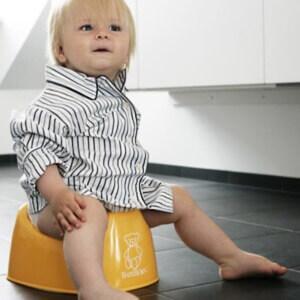 При изменении качества мочи у ребенка необходимо обследоание