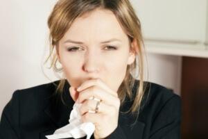 При лечении кашля назначают препарата, способствующие выведению мокроты