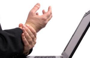 Фактор, провоцирующий появление болезни - постоянная работа за компьютером