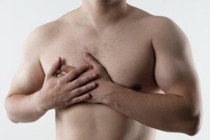 Колит в грудной клетке справа: основные причины болевых ощущений