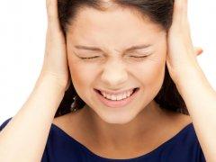 Свист в голове и ушах: причины патологического состояния