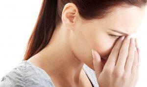Почему после еды закладывает нос: основные причины патологии