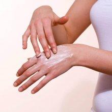 Что делать если трескается кожа на руках: советы специалистов