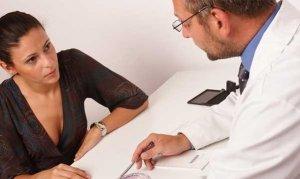Задержка месячных и боли внизу живота: основные причины