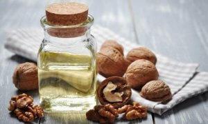 Лечебная настойка из грецких орехов
