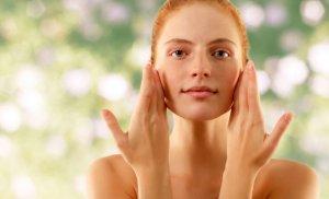 Причины активации подкожных клещей на лице