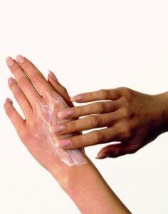 Крем с отбеливающим эффектом для устранения пятен на конечностях