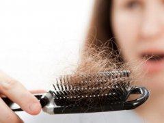 Почему сильно лезут волосы: экстренные меры