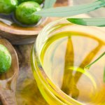 Оливковое масло для кожи вокруг глаз: характеристика, правила эффективного использования