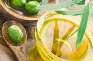 Оливковое масло из олив и маслин