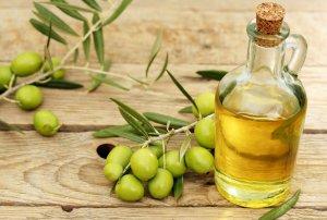 Увлажнение кожи лица оливковым маслом