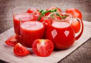 Витамины в соке из томатов