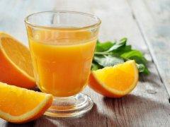 Сколько калорий в апельсиновом соке и какие витамины в его составе