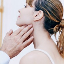 Воспалились лимфоузлы на шее: как лечить, чтобы избежать рецидива