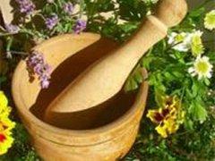 Пить травы при кисте яичника можно с согласия лечащего врача