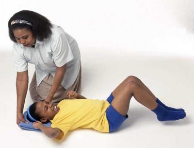 Как необходимо вести себя в случае эпилептического припадка