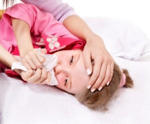 Причиной заболевания чаще всего являются бактерии, которые живут на миндалинах
