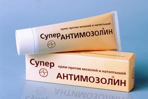 Наибольшей популярностью среди препаратов для лечения сухих мозолей пользуется мазь Супер Антимозолин